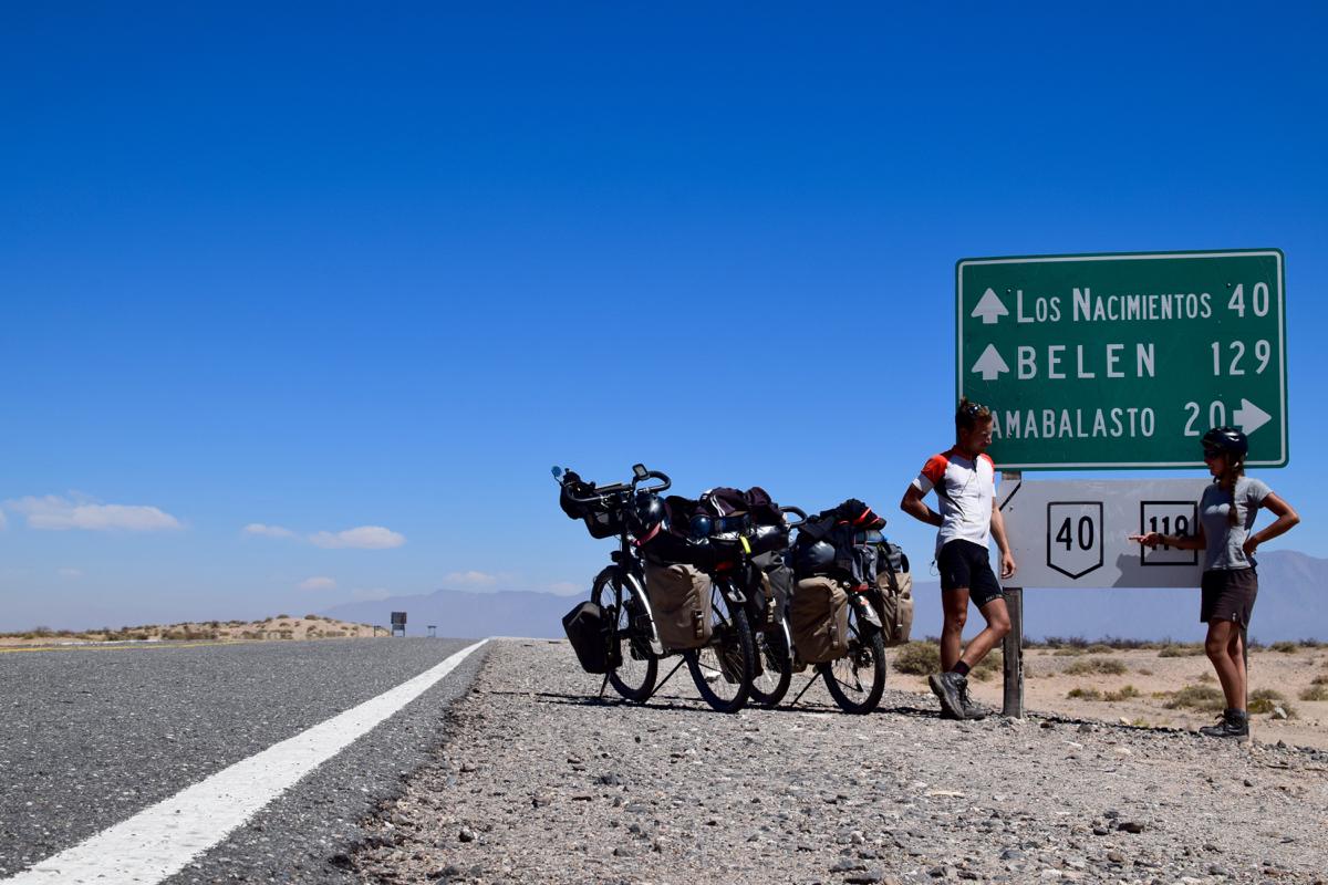 Léticia et Axel sur la Route 40 en Argentine